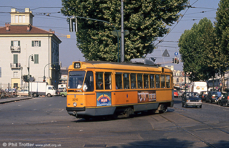 Car 3210 at Piazza della Republicca on 5th September 1989.