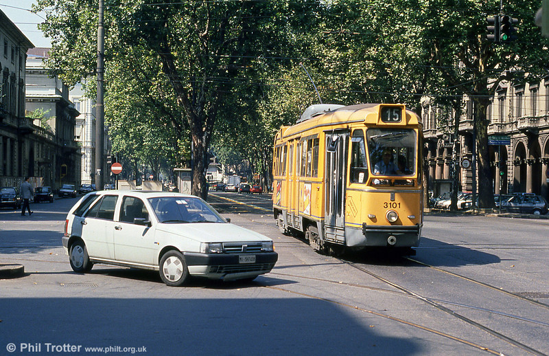 Car 3101 at Porta Nuova on 5th September 1989.