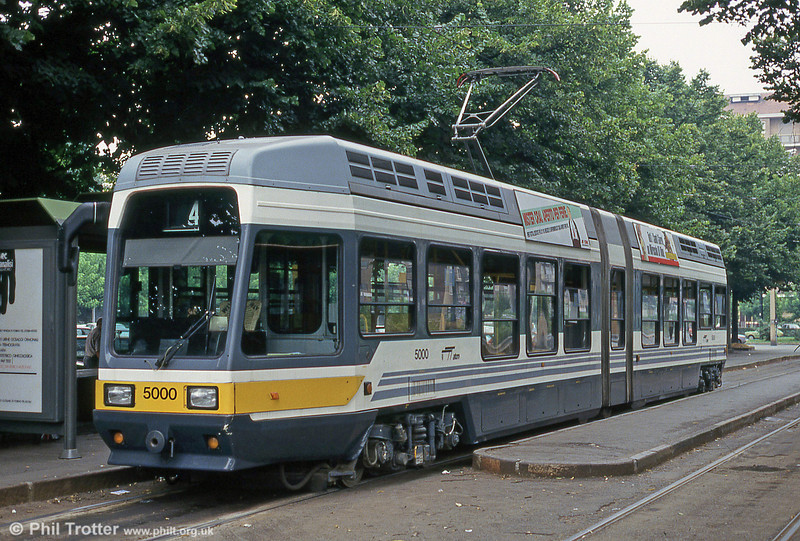 Car 5000 at Via Gottardo on 30th July 1993. The 54 6 axle, 70% low-floor 5000 series trams were built by Fiat between 1988 and 1989.
