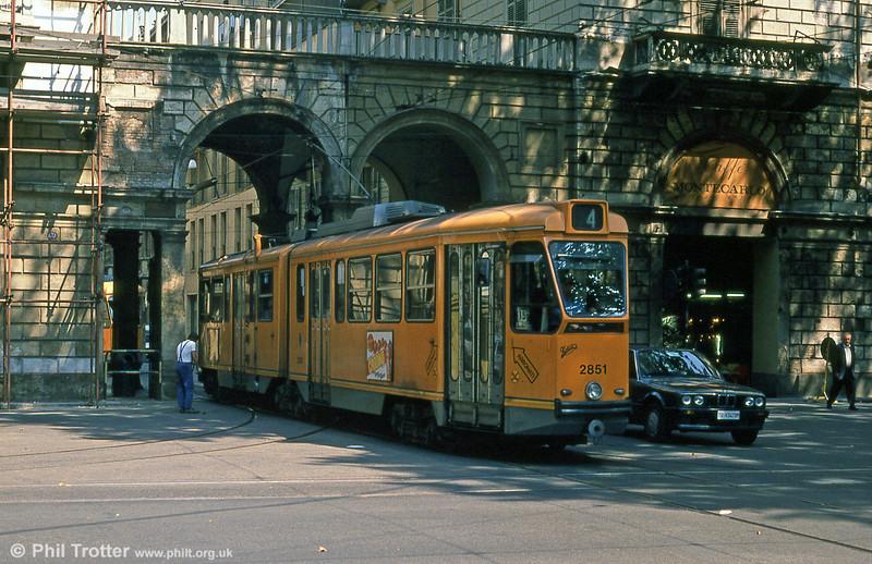 Car 2851 at Porta Nuova on 5th September 1989.