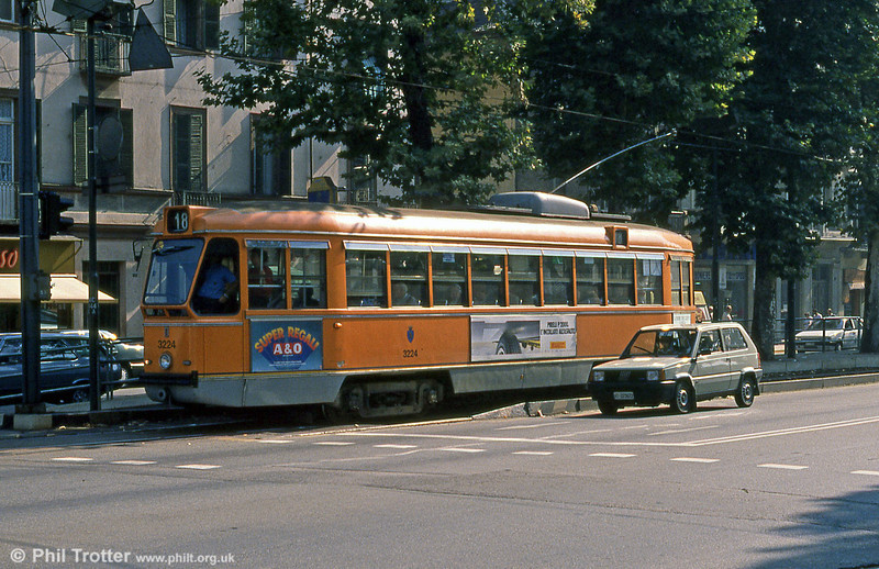 Car 3224 in Corso Vittorio Emanuele II on 5th September 1989.