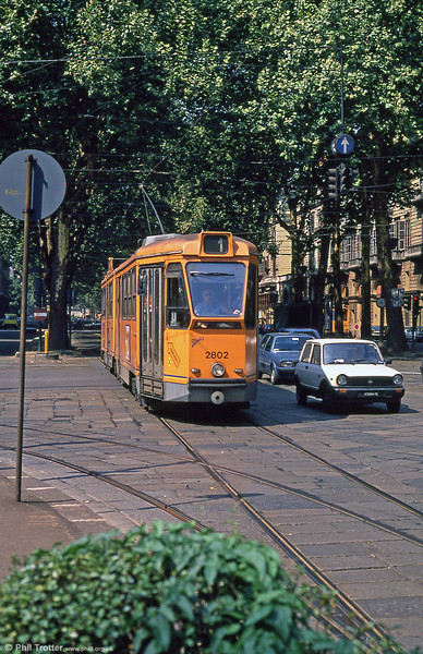 Car 2802 at Porta Nuova on 5th September 1989. The 6 axle streamlined 2800 series trams were built in two groups in the late 1940s, totalling over 100 cars. The group beginning with tram 2851 is slightly longer than the low-numbered 2800s.