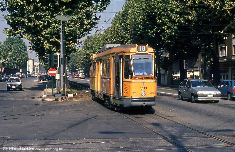 Car 3113 at Porta Nuova on 5th September 1989.