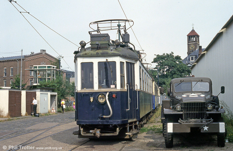 A repainted Wiener Lokalbahn car, at the depot of the Amsterdam museum line, 27th August 1991. The livery makes it look like a former representative of the Blauwe Tram (Blue Tram), which ran from Amsterdam to Zandvoort.