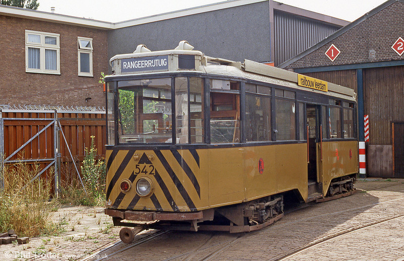 Ex-Rotterdam Werkspoor car 542 of 1931 on the museum line at Amsterdam on 27th August 1991.
