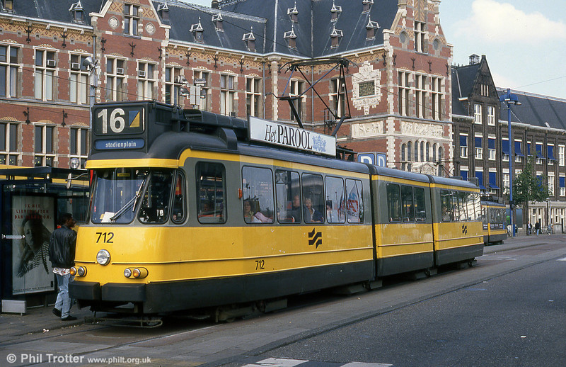 Car 712 at Centraal Station on 8th August 1990.