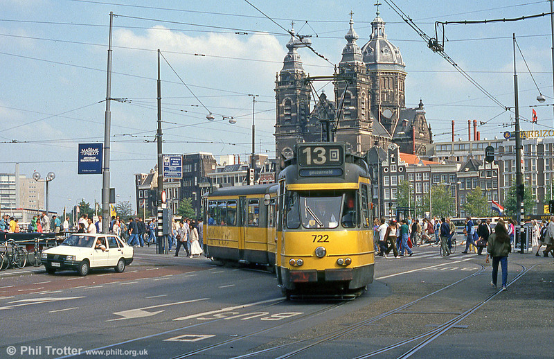 Car 722 at Centraal Station on 8th August 1990.