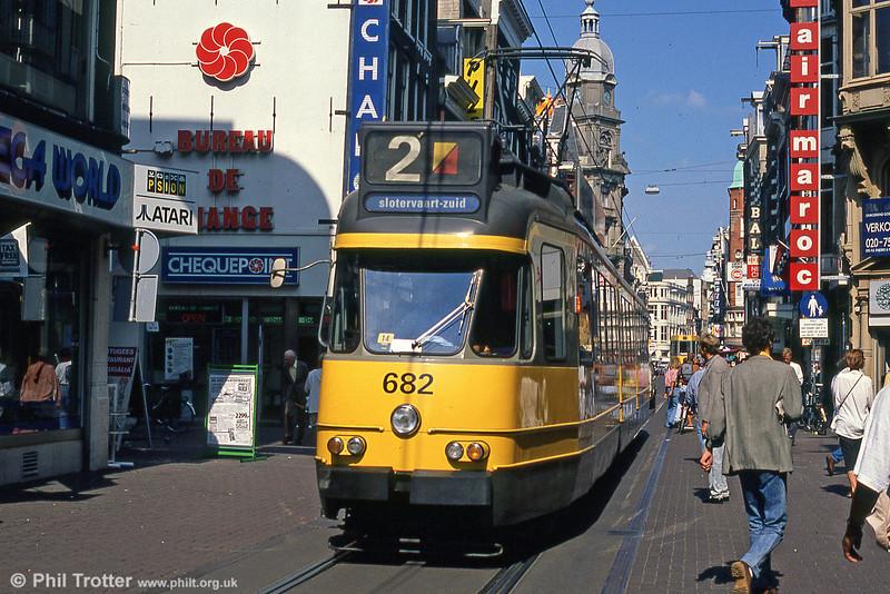Car 682 at Leidestraat on 8th August 1990.