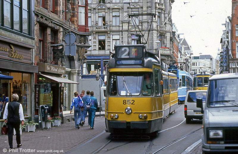 Car 852 at Leidestraat on 7th August 1990.