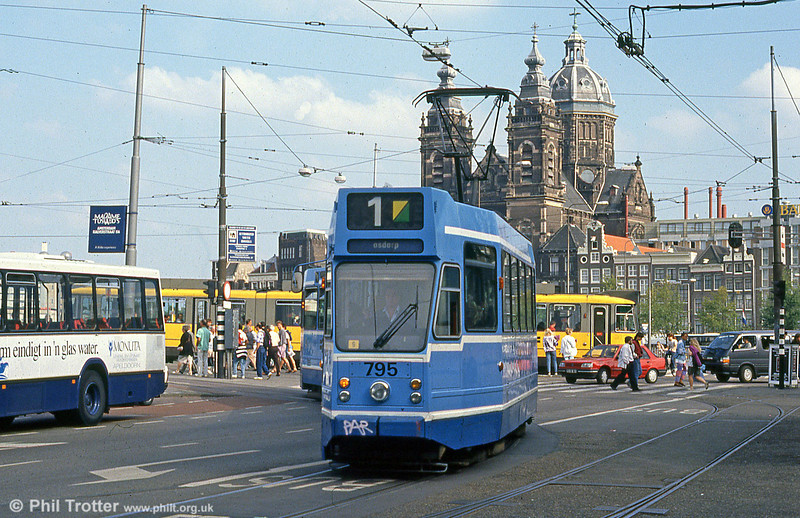 Car 795 at Centraal Station on 8th August 1990.