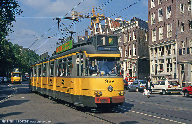 Car 868 at Nieuwezijds Voorburgwal on 8th August 1990.