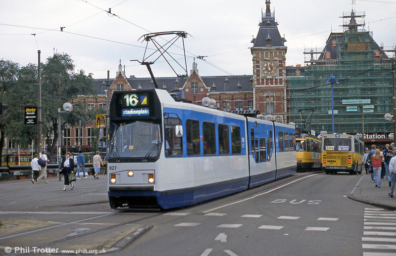 Car 827 at Centraal Station on 28th August 1991.