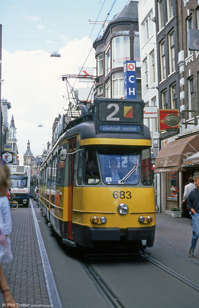 Car 683 at Leidestraat on 7th August 1990.