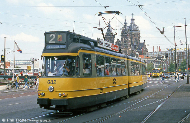 Car 682 at Centraal Station on 8th August 1990.