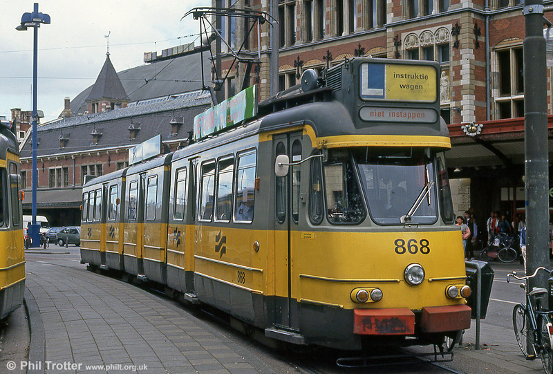 Car 868 at Centraal Station on 7th August 1990.