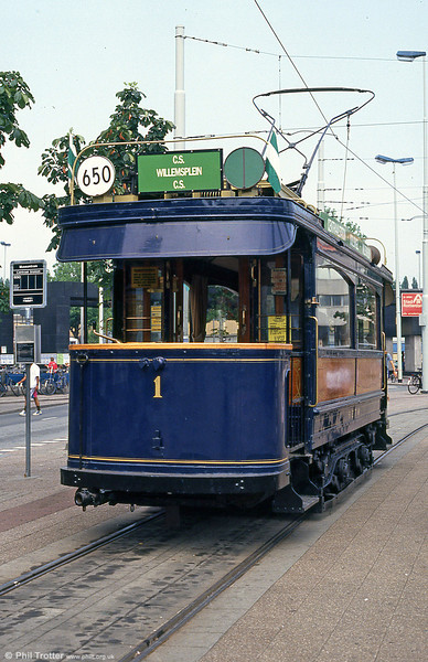 Car 1 at Centraal Station, 5th August 1990. Of the original servies, only 1 and 11 survive.