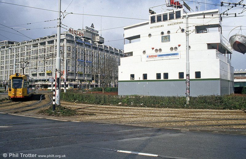 Car 820 passes the bridge of the Esso Port Jerome, near Centraal Station on 14th April 1994.