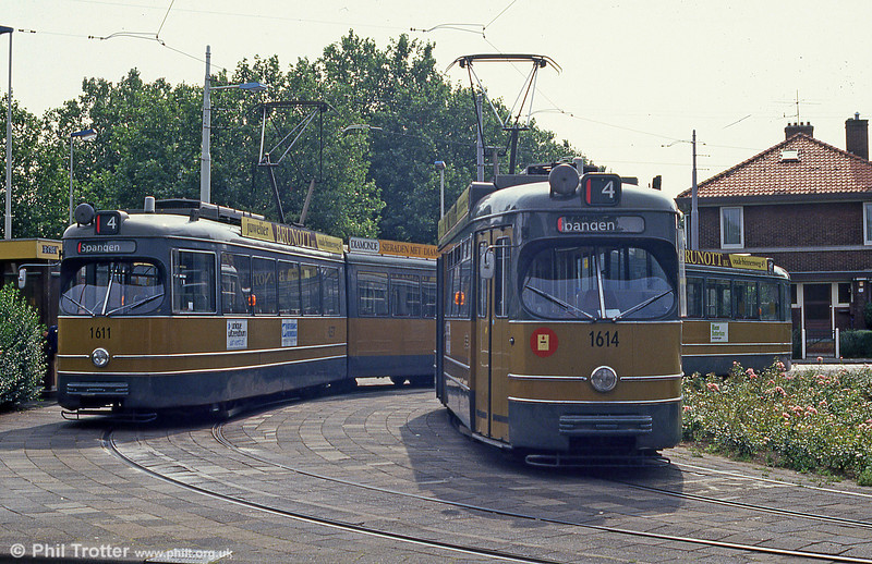 Cars 1611 and 1614 at Molenlaan on 5th August 1990.