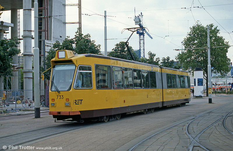 Car 733 at Centraal Station on 6th August 1990.