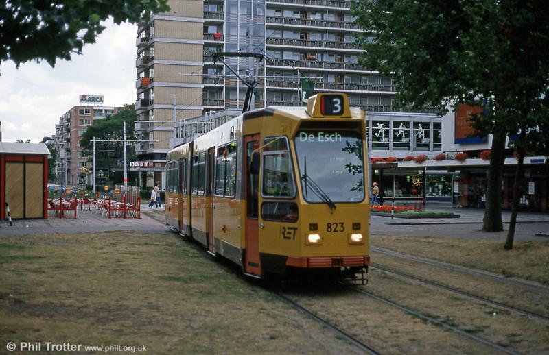 Car 823 at Van Oldenbarneveltstraat on 7th August 1990.