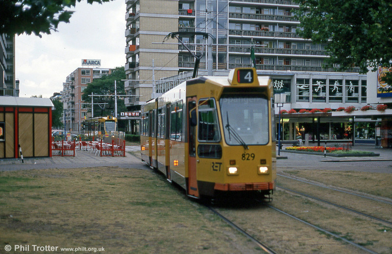 Car 829 at Van Oldenbarneveltstraat on 7th August 1990.