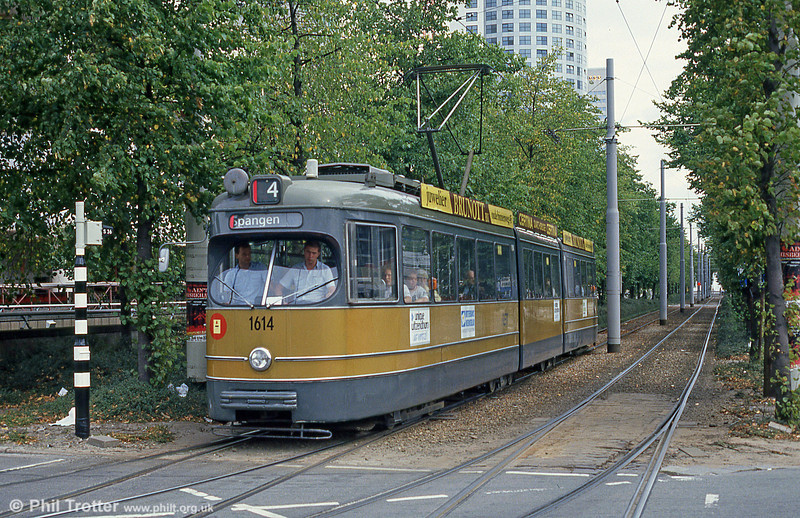 Car 1614 at Centraal Station on 5th August 1990.