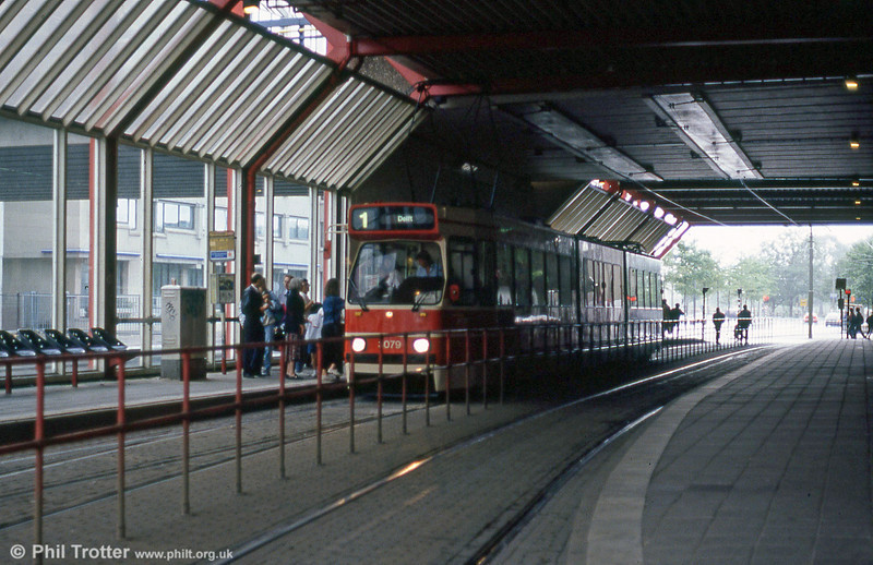 Car 3079 at Centraal Station on 6th August 1990.
