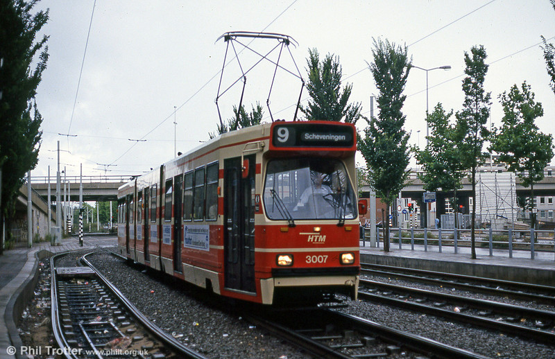 Car 3007 at Centraal Station on 6th August 1990.