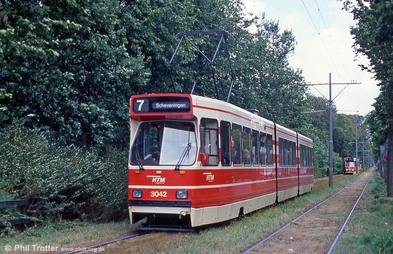 Car 3042 at Scheveningse Weg on 6th August 1990.