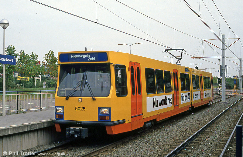 Car 5025 at Batau Noord on 8th August 1990.