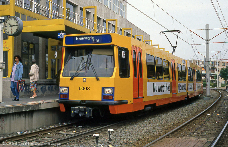 Car 5003 at Niewegein on 8th August 1990. The 27 cars were built by SIG in two batches in 1982 (5001-5011) and 1983 (5012- 5027).