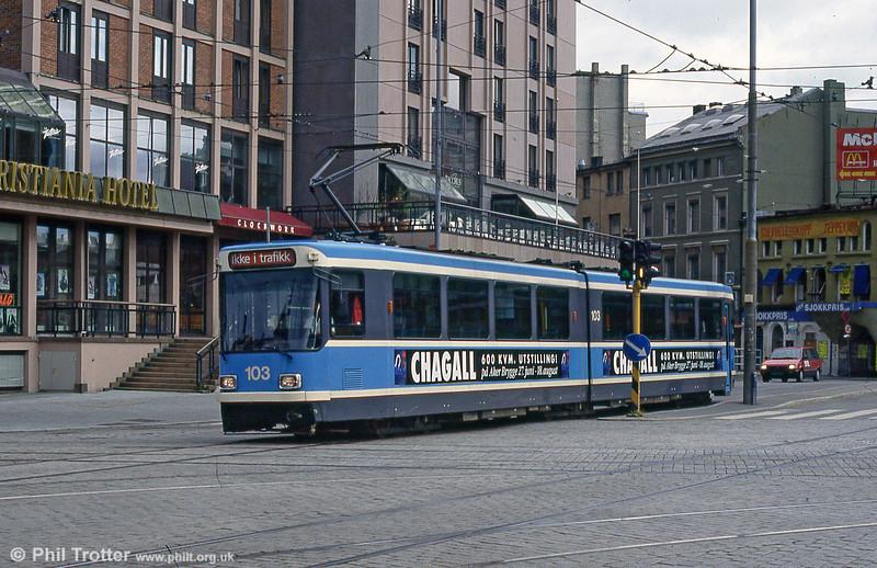 Oslo 103 at Jernbanetorget on 8h August 1991.