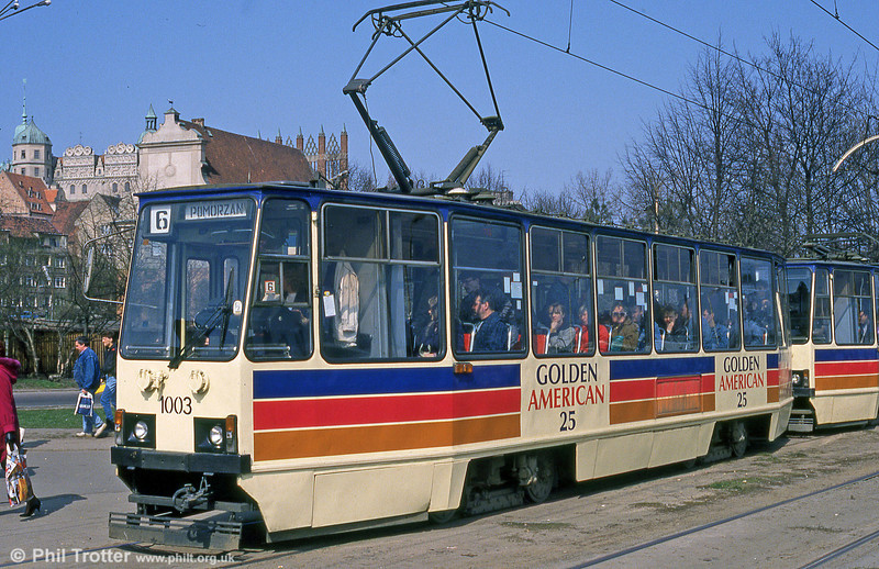Again, Konstal 105N no. 1003 in advertising livery at Wyszyńskiego.