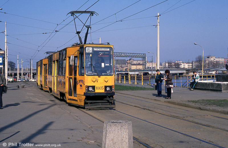 Konstal 105N no. 1005 in advertising livery at Glowny Station.