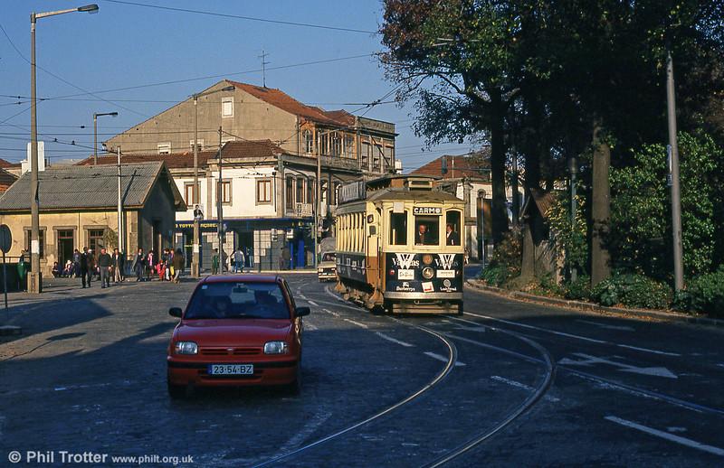 Oporto 213 turning at Rotunda da Boavista on 26th November 1993.