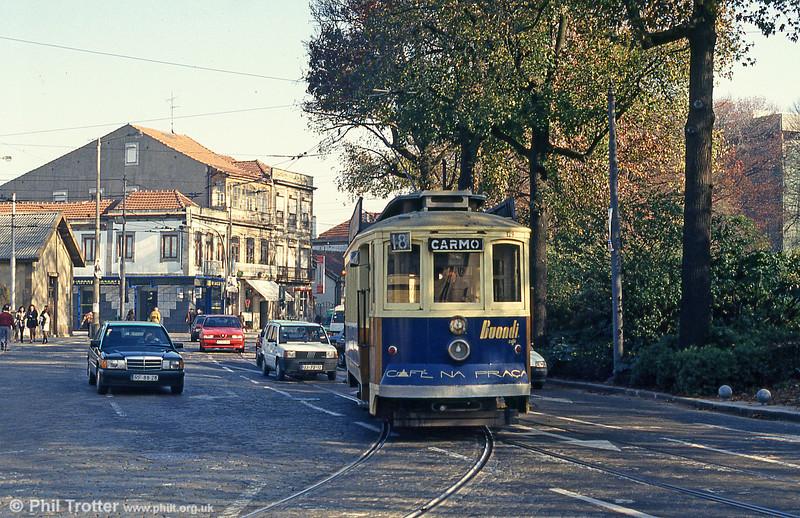 Oporto 129 turning at Rotunda da Boavista on 26th November 1993.