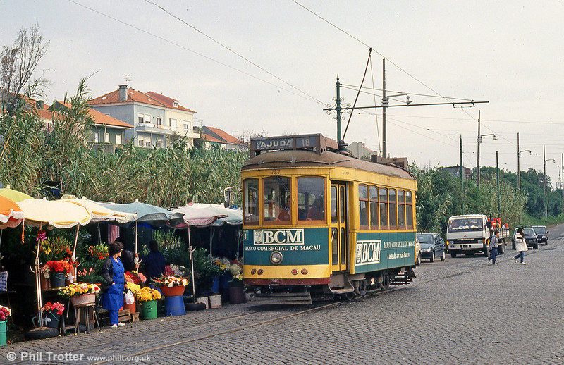 Car 727 at Ajuda on 23rd November 1993 - good spot for selling flowers as there is a cemetery nearby.