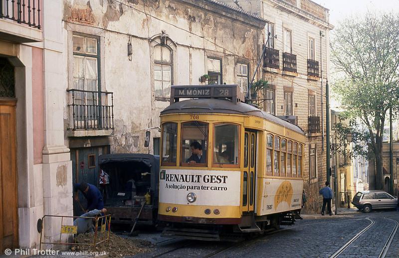 Car 708 at Escolas Gerais on 25th November 1993.