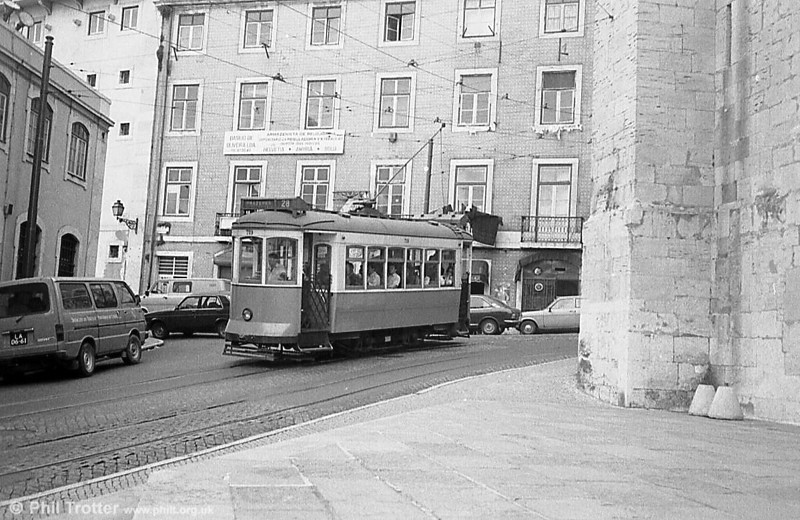 Lisbon 719, one of comparatively few cars not carrying an advertisement livery, dating from 1936-40.