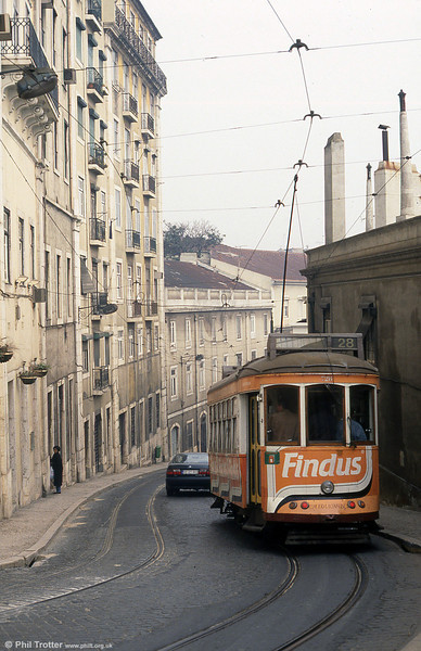 Car 728 in Calçada São Francisco on 27th November 1993.