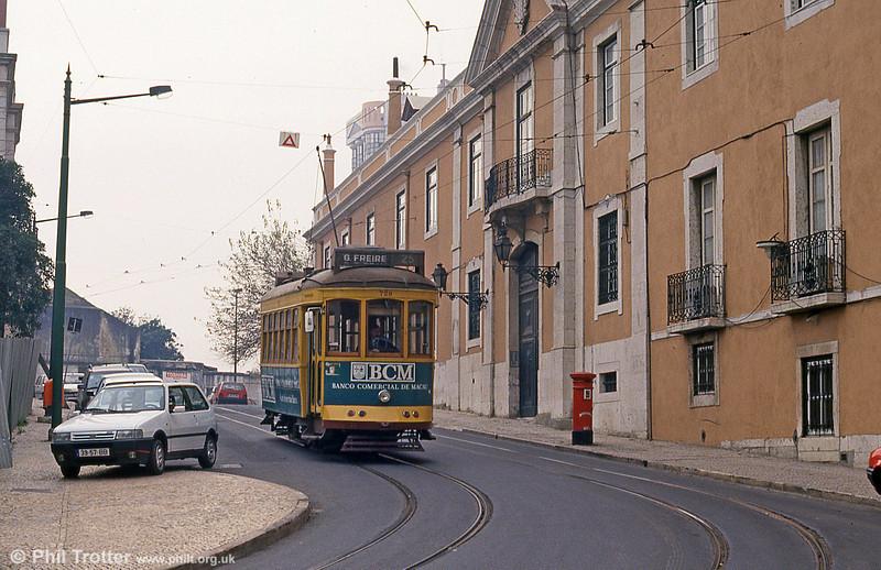 Car 729 at Rua das Amoreiras on 27th November 1993.