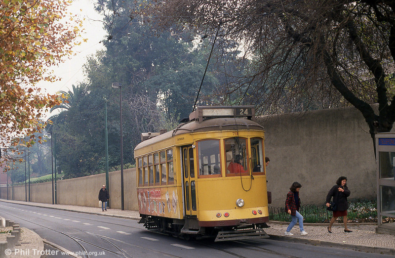 Car 711 at Amoreiras on 27th November 1993.