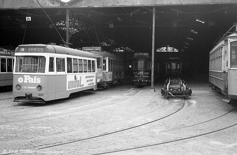 Another general view of Santo Amaro depot.