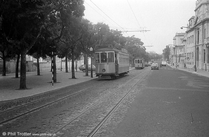Lisbon 344 leads another along the long Rua da Junqueira on route 15 from Cruz Quebrada.