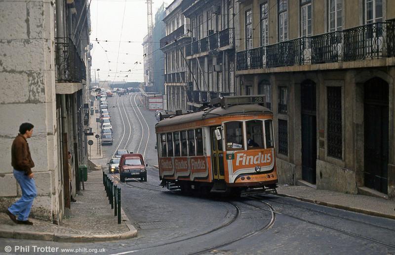 Car 728 in Rua Vítor Cordon on 27th November 1993.