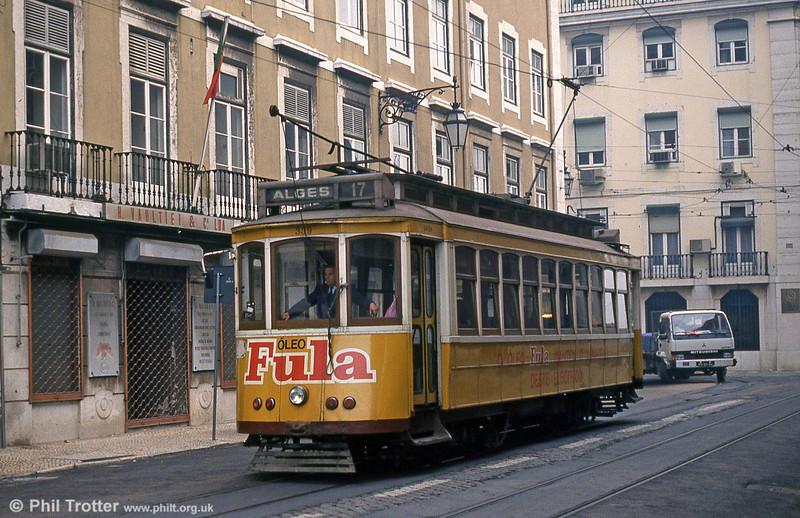 Lisbon 339 at Rua da Alfandega on 25th November 1993.