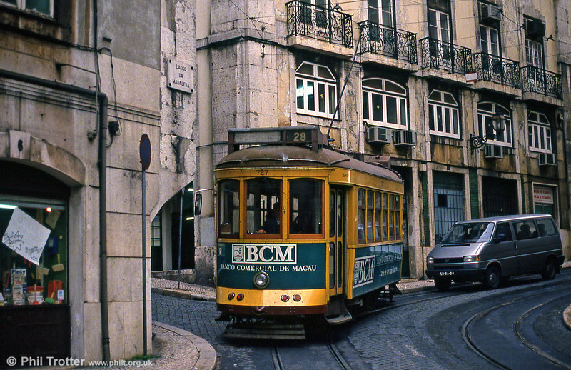 Car 727 at Largo Da Conceição on 22nd November 1993.
