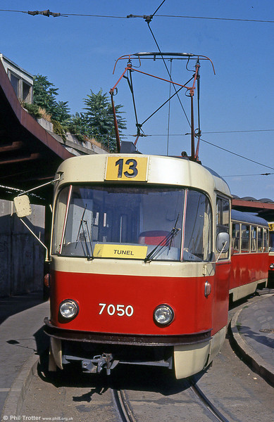 K2 7050 at the Hlavná stanica (Central Railway Station) loop on 16th August 1992.