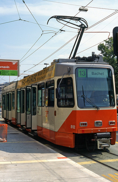 Car 812 at Cornavin in August 1995. On 28 May 1995, line 13 (Cornavin to Bachet) was opened, and trams returned to the other side of the Rhône.