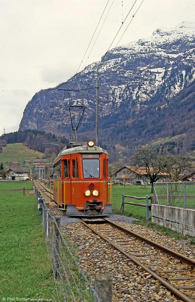 Car 6 approaches Meiringen from Innertkirchen on 19th April 1992.